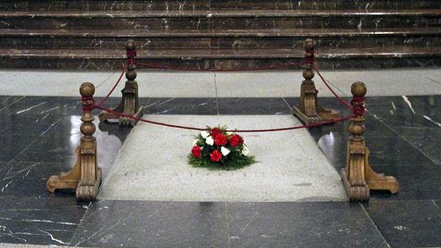 Los restos de Francisco Franco saldrán previsiblemente este mes de julio de su lugar de honor para proceder a un entierro en una tumba privada. (CC)