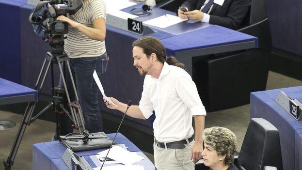 Imagen de archivo de Pablo Iglesias, fundador de Podemos, en el Parlamento Europeo de Estrasburgo, cuando formaba parte de la Eurocámara. (EFE)