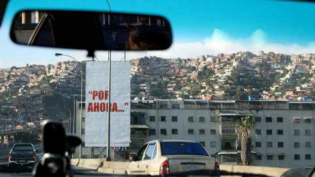 Pancarta en el oeste de Caracas, Venezuela. (Ji Stark/ Leo Prieto/CC BY-NC-ND 2.0/Real Instituto Elcano)