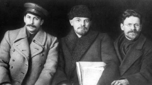 Stalin, Lenin y Trotsky en el Congreso del Partido Comunista (bolchevique) de Rusia del 23 de marzo de 1919. (Archivo)