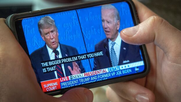 Los cubanos necesitan un debate que no imite el patético 'show'  mediático Trump vs Biden, considera Celaya. (EFE)