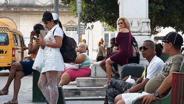 Las cubanas carecemos de la libertad de caminar por las calles del país sin que el acoso de género sea una práctica aceptada. (14ymedio)