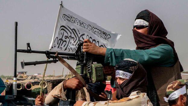 Entre el legítimo temor a los talibanes, y el entusiasmo de escapar de ese infiernillo, el éxodo seguía creciendo exponencialmente. (EFE)