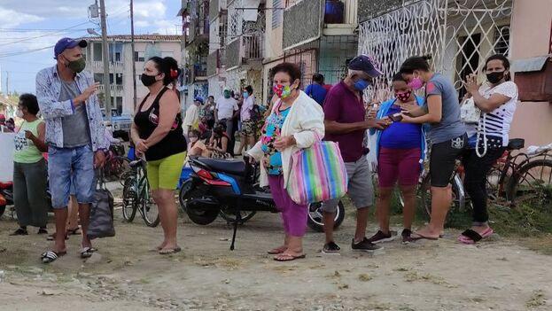 La mayoría de los cubanos, incluso los que hasta hace poco tiempo guardaban todavía algún tipo de simpatía por el sistema, se encuentran desesperados. (14ymedio)