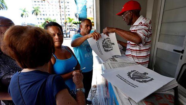 El proyecto de reforma de la Constitución cubana se ha debatido durante meses y se votará en referendum en 2019. (EFE/Ernesto Mastrascusa)