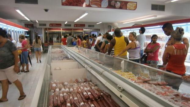 Carnicería en el centro comercial Carlos III. (Miriam Celaya)