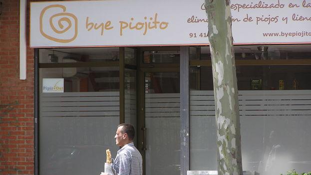 Peluquería Bye piojito en Madrid. (14ymedio/BDLG)