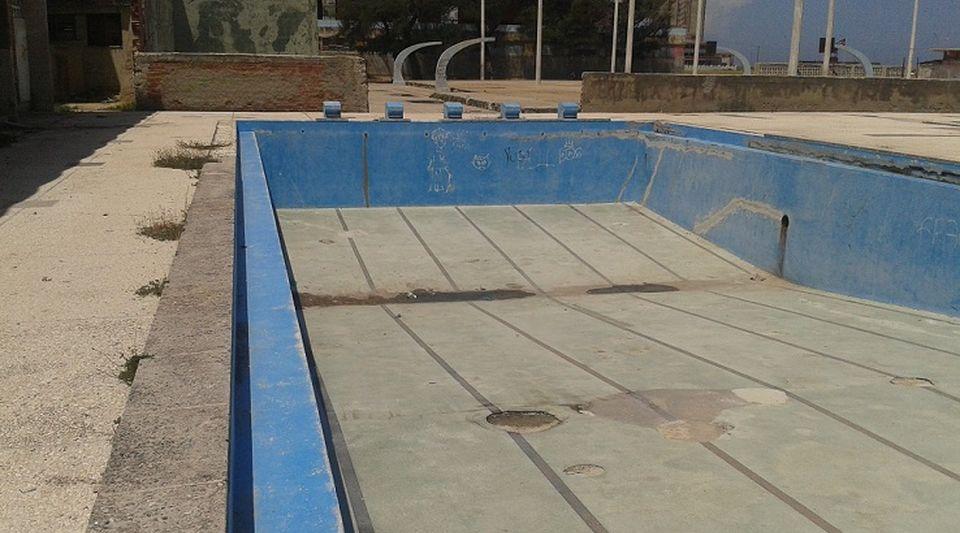 Piscinas en la habana el lejano azul - Losas para piscinas ...