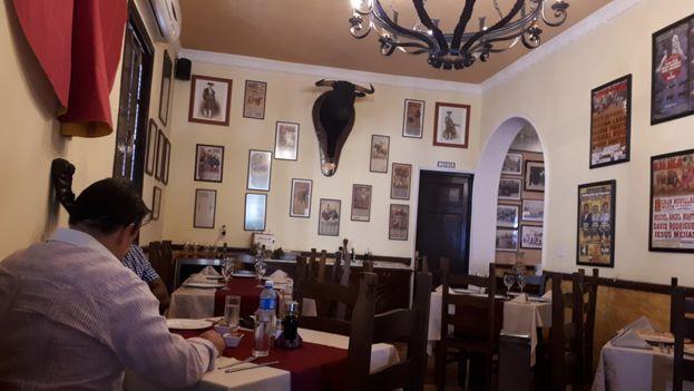 Tapas y Toros, una 'paladar' de comida española en La Habana que este miércoles era un hervidero de preguntas sobre la visita de Pedro Sánchez. (14ymedio)
