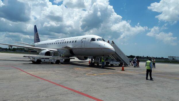 Cuando el avión de United tocó tierra en Nueva York, la mayoría estadounidense de pasajeros decía adiós a una era. (14ymedio)