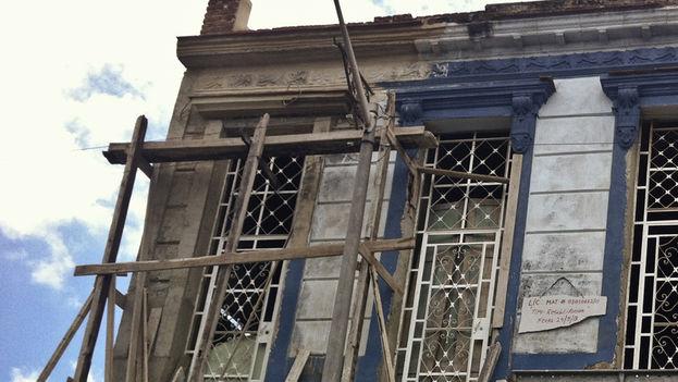 Una vivienda en mal estado, en proceso de reparación