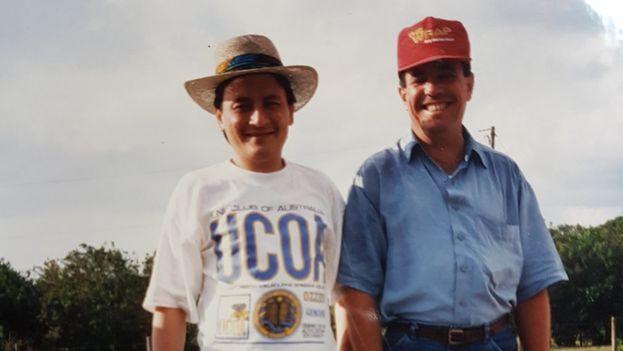 Antonio Tang y Florentino Aspillaga (derecha) en el sur de Florida en 1993. (Antonio Tang)