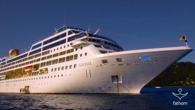 Buque 'Adonia' de la empresa Carnival, que realizará cruceros a Cuba desde el próximo mes de mayo. (Fathom.com)
