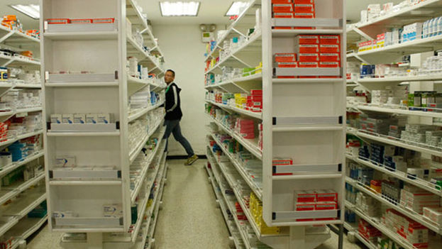 Carlos Valero asegura que en el país falta el 70% de los 150 medicamentos establecidos por la OMS como de obligatorio acceso. (CC)