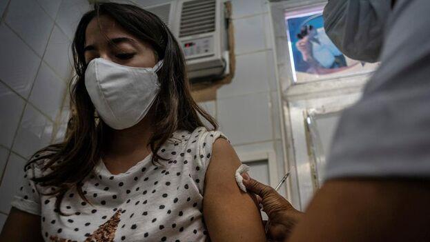 Cuba no tiene plan alternativo para la inmunización porque solo contará con las vacunas nacionales. (EFE)