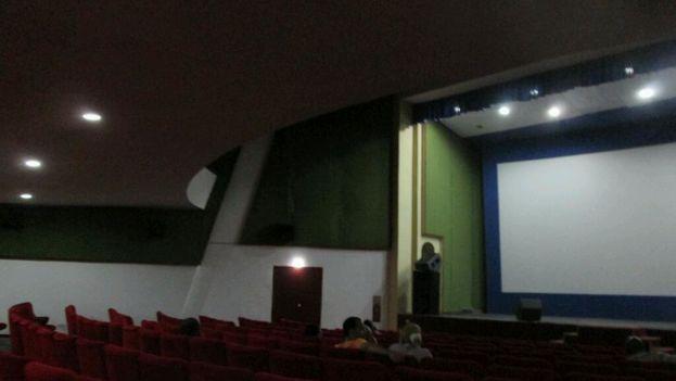 La falta de público se nota en la sala de cine Cuba, que programa esta semana películas destinadas a sensibilizar contra la homofobia. (Yosmany Mayeta Labrada/14ymedio)
