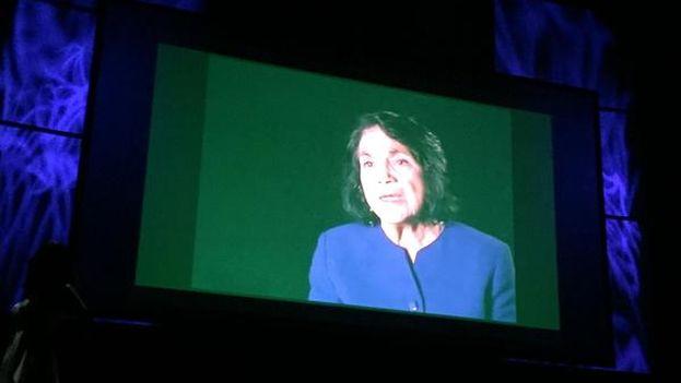 Dolores Huerta, que no pudo asistir a la gala, recibe el premio de Liderazgo Cívico. (@agustinduranLA)