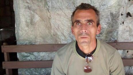 Eduardo Lázaro Queija Falcón tiene 42 años y perdió la visión de los dos ojos a raíz de una infección. (14ymedio)
