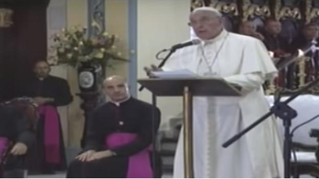 Encuentro del papa con las familias. (Fotograma)