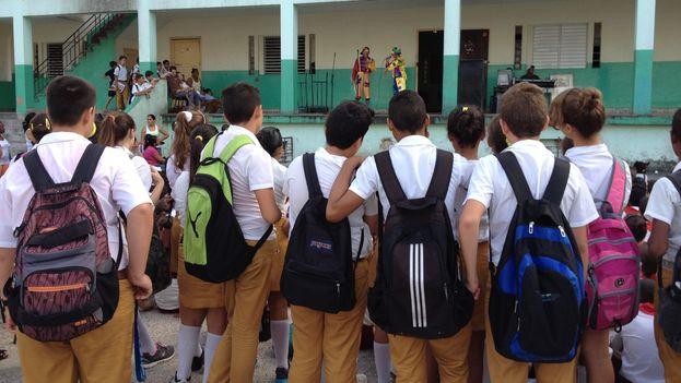 Estudiantes de secundaria básica durante una actividad cultural. (14ymedio)
