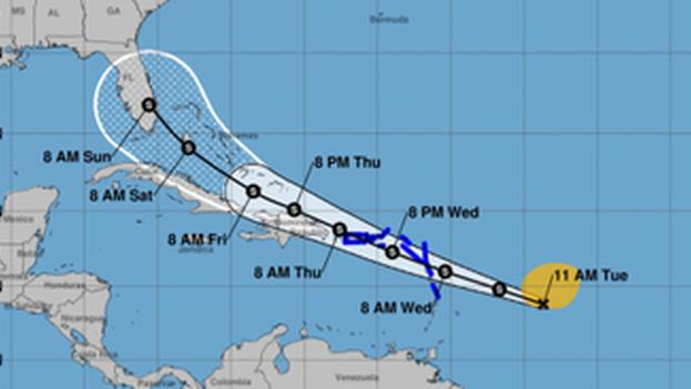 Existe un 80% de probabilidades de que en 48 horas el sistema de bajas presiones adquiera características ciclónicas y pase a ser la tormenta 'Isaías'. (Weather.gov)