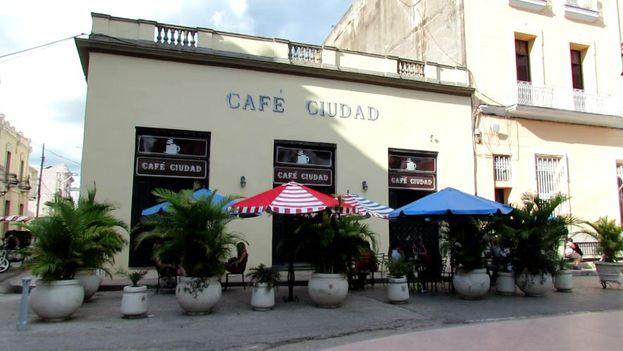Fachada del Café Ciudad, en Camagüey. (14ymedio)