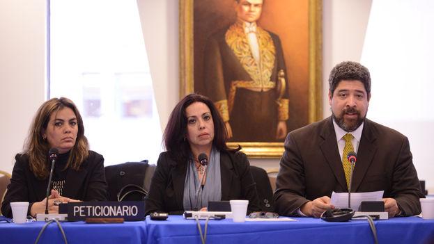 Los solicitantes de la audiencia: Sara Marta Fonseca, Janisset Rivero y John Suárez. (CIDH)