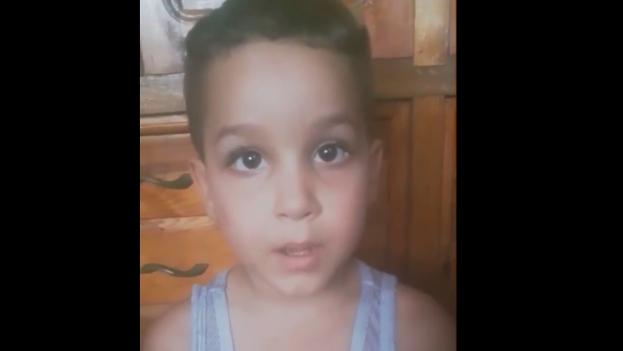 Harrison Hernández pide al presidente y la vicepresidenta de EE UU que hagan algo para que su padre sea liberado. (Captura)