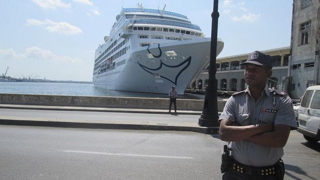 Cuando Carnival anunció su nueva ruta a Cuba advirtió que no vendería boletos a cubanoamericanos.