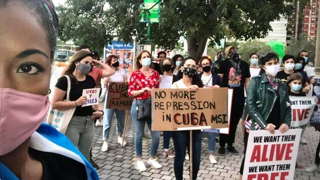 Manifestación en Miami en apoyo al Movimiento San Isidro. (Kizzy Macias)