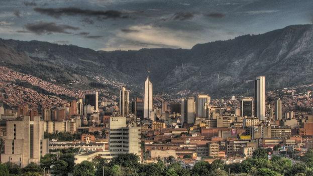 Medellín mantiene como retos la desigualdad y la violencia. (CC)