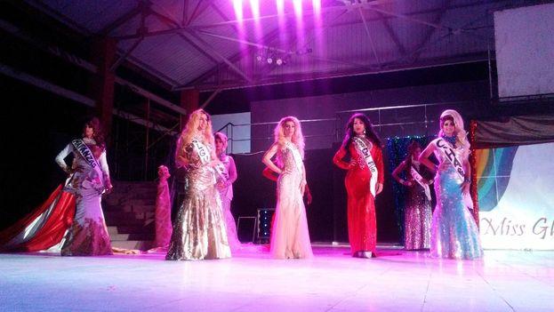 El concurso Miss Glamour Holguín 2018 vio desfilar y actuar a lo mejor del transformismo en la Isla en su quinta edición. (Leonardo del Valle/14ymedio)
