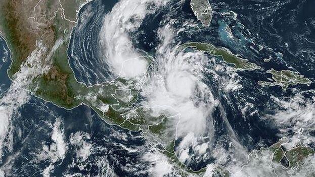 Las provincias de Pinar del Río, Artemisa y el municipio especial de Isla de la Juventud se encuentran en fase de alarma ciclónica. (EFE)