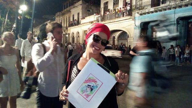 La rapera Telmary, una de las invitadas a este desfile de Chanel y a la cena posterior en la Plaza de la Catedral