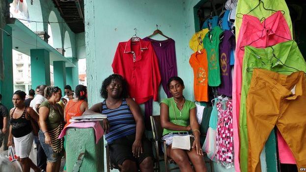 Tienda de ropa en La Habana. (EFE)