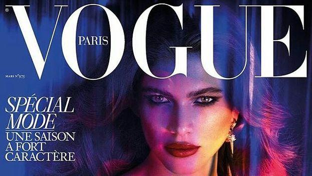 La modelo transexual brasileña, Valentina Sampaio, en la portada de la revista Vogue. (Facebook)