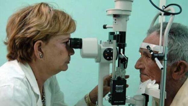 En los años 90, unos 50.000 cubanos tuvieron pérdida de visión. (ACN)