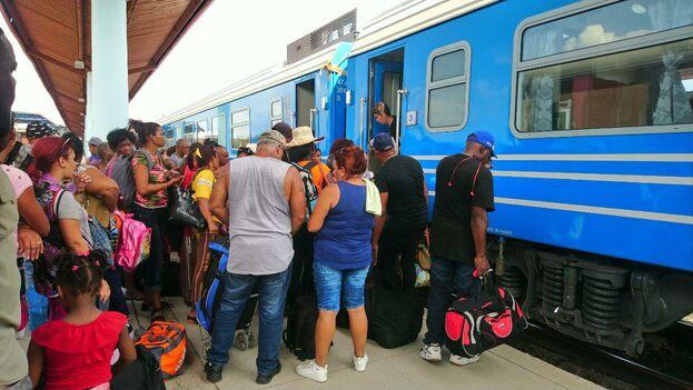 El anunciado vagón cafetería no está funcionando aún en los nuevos trenes chinos. (14ymedio)