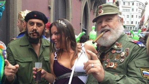 Disfraces de Fidel Castro y Che Guevara en Telde (Islas Canarias)