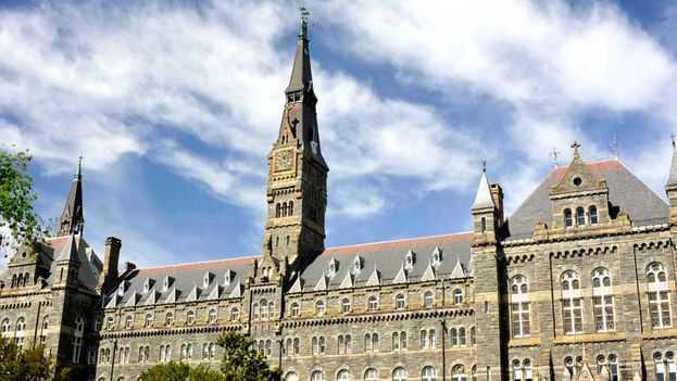 En 1838, los jesuitas conectados con la universidad, católica, privada y ubicada en Washington, vendieron a 272 esclavos, entre ellos mujeres y niños, para pagar las enormes deudas del centro. (Georgetown University)