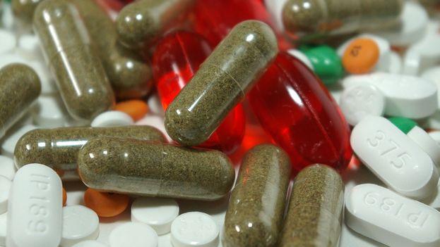 Entre los consumidores de medicamentos psicoactivos combinados con bebidas alcohólicas, la edad mínima promedio es de 12 años. (CC)