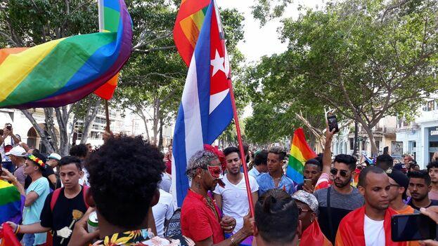 En medio de una fuerte dispositivo policial, unas 300 personas desfilaron sin contratiempos por el céntrico Paseo del Prado hasta llegar a la avenida Malecón. (14ymedio)