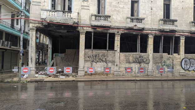 El edificio llevaba mucho tiempo mostrando un grave deterioro. (14ymedio)
