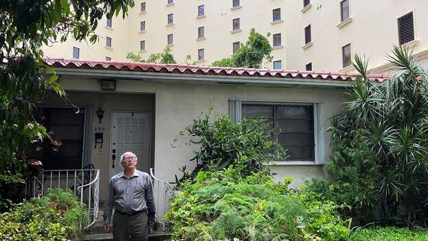 El cubano, de origen español y exiliado en Miami, no quiere deshacerse de su casa familiar, llena de recuerdos. (EFE)