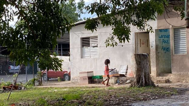 Los niños llevan sin ir a clase desde finales de marzo y algunos padres están desesperados. (14ymedio)