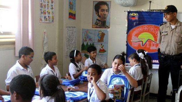 El presente año escolar comenzó con 251.180 alumnos de inicial, primaria y secundaria menos que el pasado. (AVN)