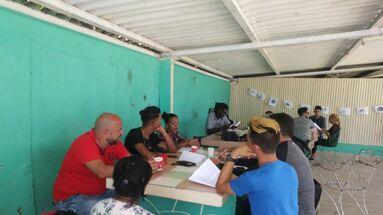 Los jóvenes debatieron propuestas sobre educación empleo y participación. (Instituto Político para la Libertad)