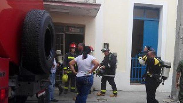 El incendio fue sofocado rápidamente y no se extendió a edificios colindantes. (Radio Angulo)