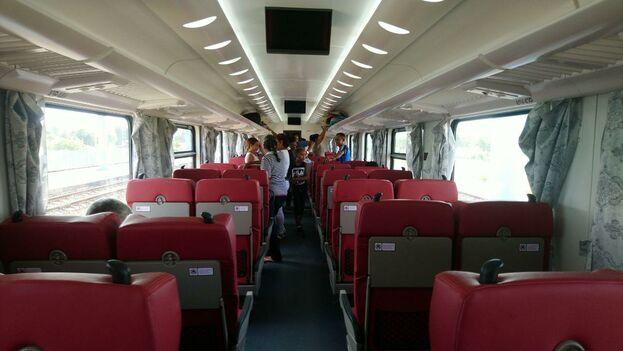En los últimos 45 años no ha habido vagones nuevos para este trayecto, siempre eran de segunda mano. (14ymedio)