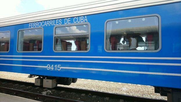 Los vagones con aire acondicionado deben llevar las ventanas cerradas. (14ymedio)
